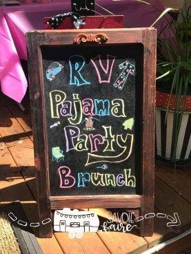 PJ PARTY BRUNCH I SAVOIE FAIRE BLOG